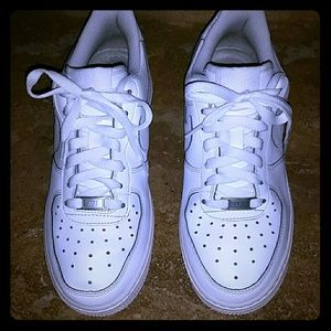 UNISEX Nike AF1 ALL WHITE LEATHER SNEAKERS